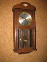Bildkarten einer klassischen Uhr zur Aktivierung für Senioren